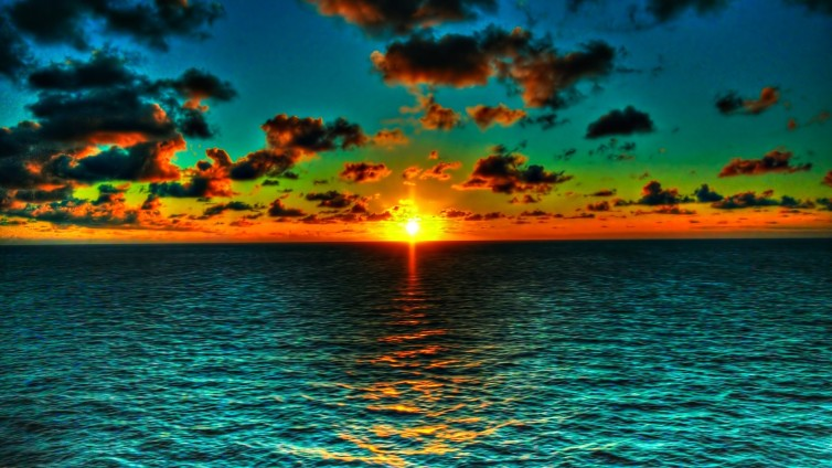 6928779-beautiful-ocean-sunset