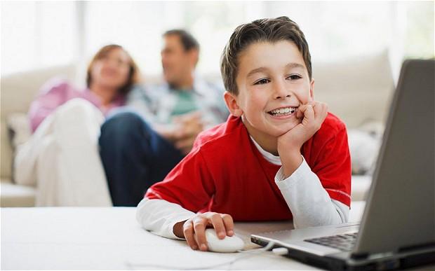 child-computer_2668474b