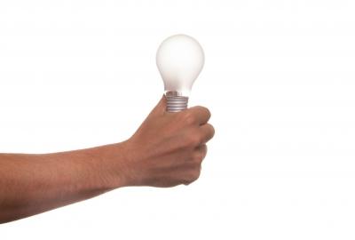 lamp-432250_1920-400x270-MM-100