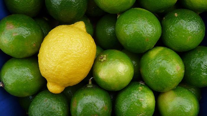 differences-between-lemons-limes_9631b01beef8b311